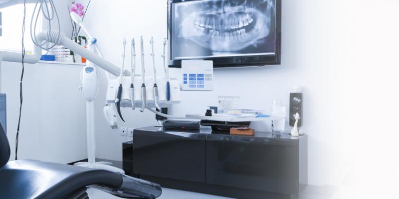 Clínica Dental Zurdo