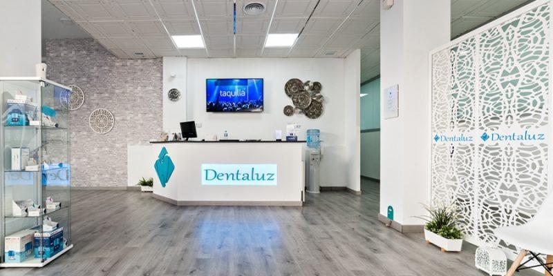 Clínica Dental Dentaluz